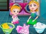 Baby Hazel invata sa spele rufe