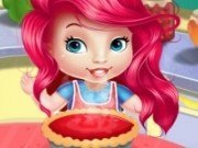 Baby Ariel in bucatarie