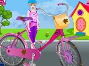 Repara bicicleta stricata a lui Barbie
