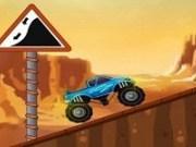 Cursa masini Monster Truck in desert