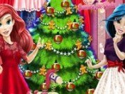 Printesele Jasmine si Ariel impodobesc bradul de Craciun